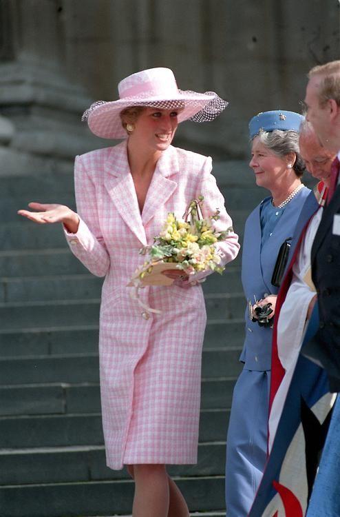 dianaspot:  Diana in a pink gingham coatdress