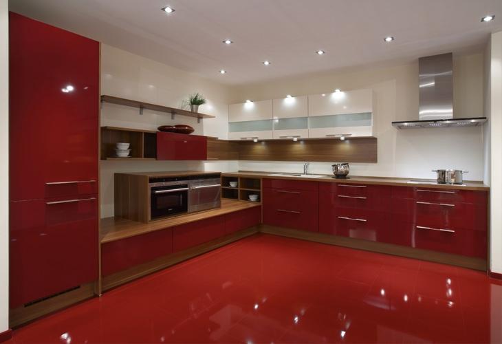 Küchen/Küchenfronten in rot   Rote küche, Küchen fronten ...