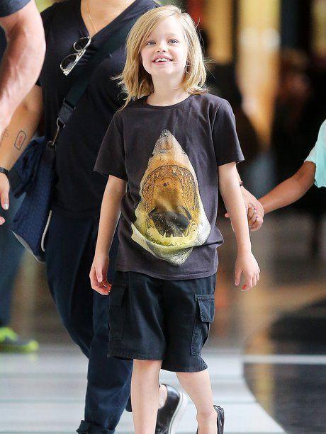 18. Juni 2013 Mit Hai-Shirt ist Shiloh in New York...