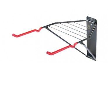 An diesem stabilen Wandhalter können bis zu 2 Räder und noch jede Menge Kleinzeug wie Helm, Schuhe usw. aufgehängt werden. Wenn der Wandhalter nicht in Gebrauch ist, kann er Platz sparend zusammengeklappt werden. · geeignet für kleine Wartungs- und Pflegearbeiten · Lack schonende Aufnahme für 2 Räder · auch als Ablagefläche nutzbar · Maße: zusammengeklappt: ca. 66 x 33 x 5 cm, ausgeklappt: ca. 52 x 33 x 30 cm · inkl. Befestigungsmaterial