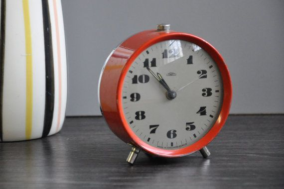 Vintage Prim Mid Century Red Alarm Clock by RetroManiaEU on Etsy