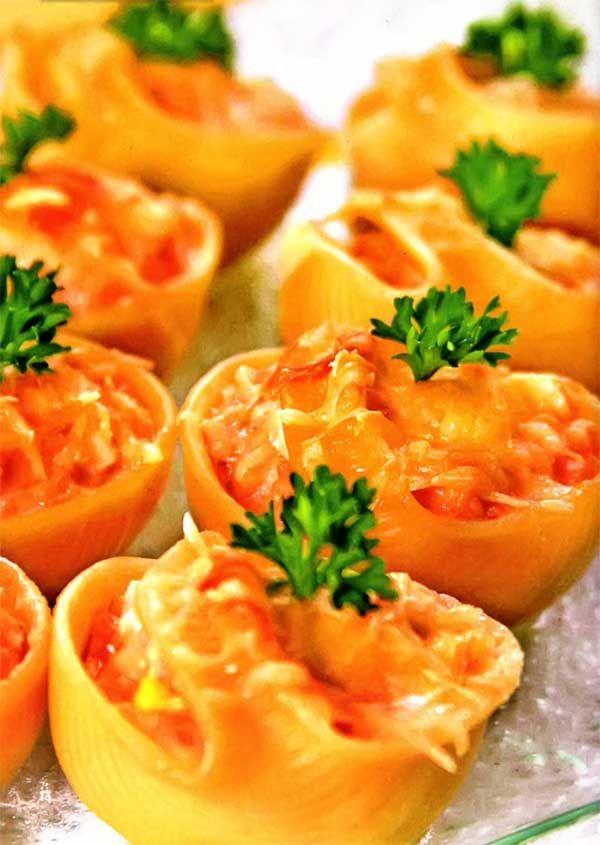 Королевские ракушки , фаршированные лососем и сыром