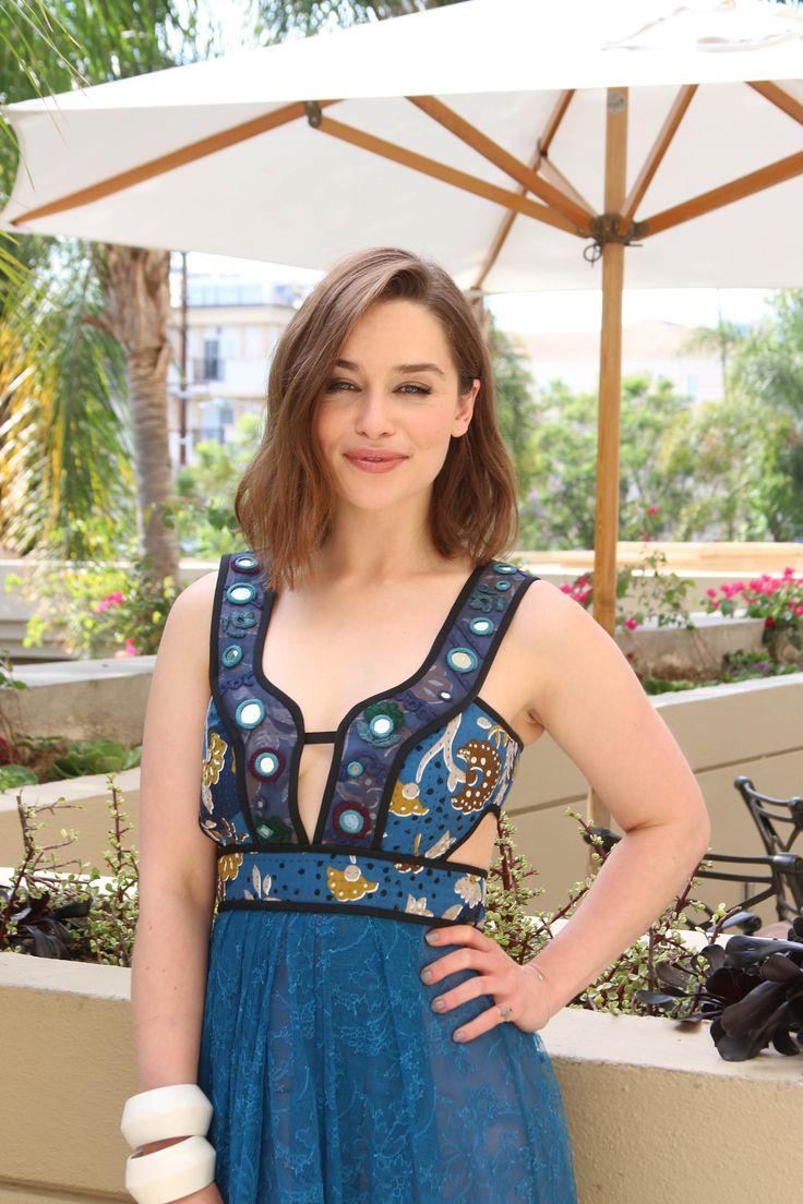 Pin by Nicole Perales on Emilia Clarke | Emilia clarke ...