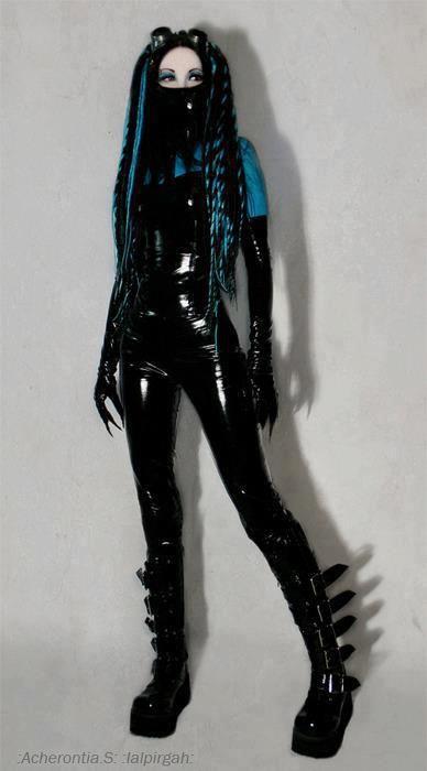 #Goth girl in latex