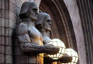 Rautatieasema on Guardianin mukaan Helsingin arvostetuin jugend-talo.