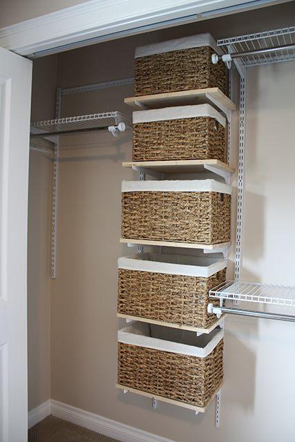 Cestos para Organizar o Closet ou Armário, confira uma maneira simples para organizar o Closet ou Armário, utilizando cestos com uma cobertura interna.