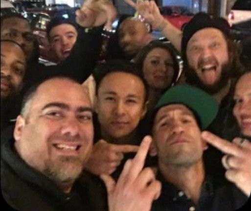 Jon Bernthal and The Punisher cast members saying hi to everyone.🖕🏼
