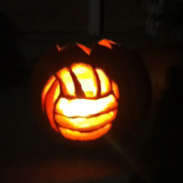 Volleyball pumpkin...I call this for this years halloween contest for pumpkin carving Cami;)