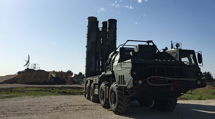 No-fly-zone since Russian SU-24 shot down. Picture: An S-400 air defence missile system is deployed for a combat duty at the Hmeymim airbase to provide security of the Russian air group's flights in Syria. © Dmitriy Vinogradov