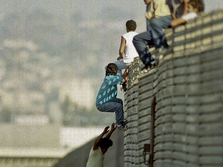 The Border Busting Right to Citizenship - http://pushback.us/border-busting-right-citizenship/