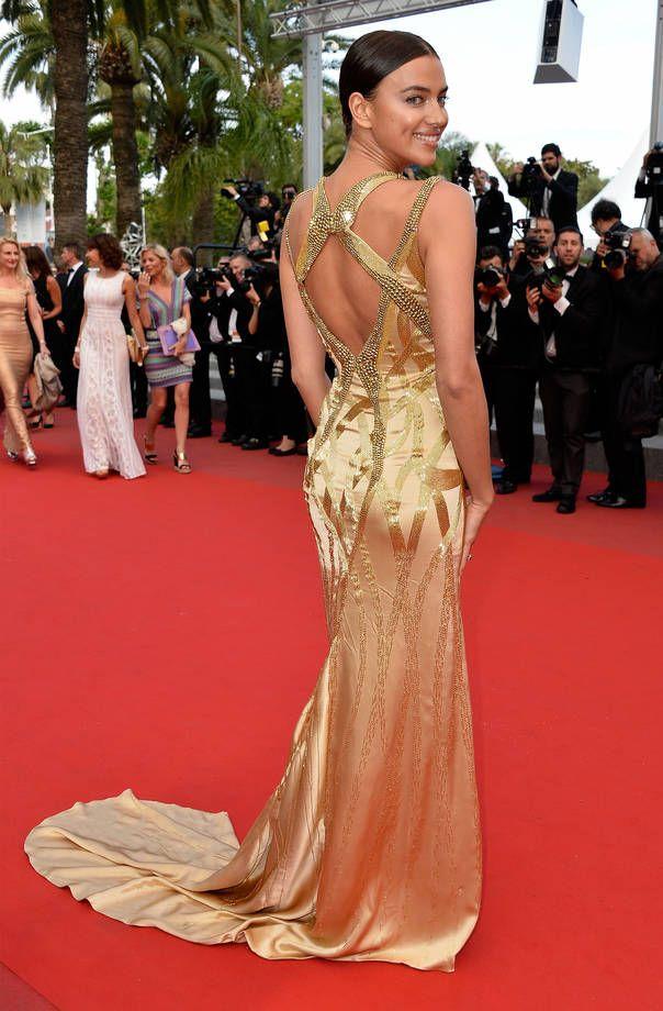 Gli abiti più belli di Cannes 2015 | Abito dorato con dettagli ricamati per Irina Shayk | FOTO
