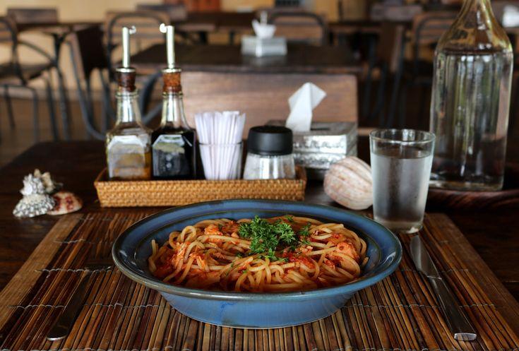 Visit our Nautilus Restaurant and try one of our delicious pasta dishes 🍝🐟😋 #nautilusrestaurant #lombokfriendly #gilibible#mylombok#thegiliway #thegiliguide #wonderfullombok #travelblogging #foodblog #italianfood #instamoment #giliguide #foodblogger #giliasahan #indonesia #giliisland #mylombok #amazingfood #gili #islandlife #lombokguide#thegiliway #spaghetti #giliasahanecolodge#exploreindonesia #lombokexperience #instalike #islandlovers #lodgelife #explorelombok
