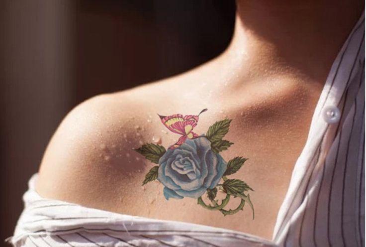 tatuajes de rosas de color azul