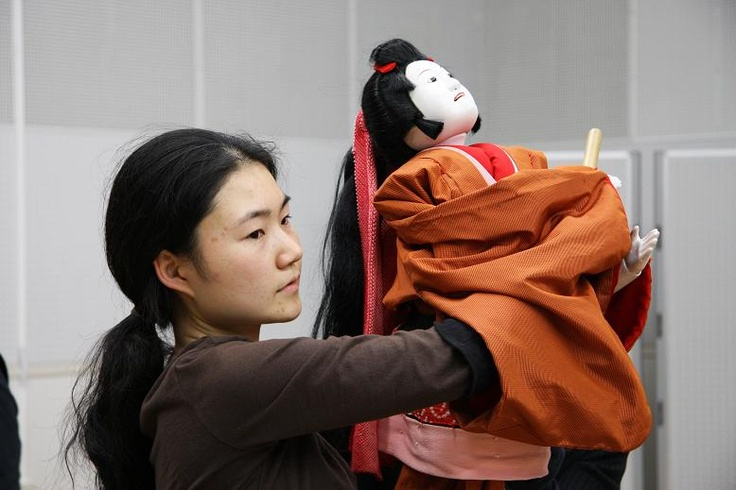 女性文楽人形遣い Female Bunraku puppeteer
