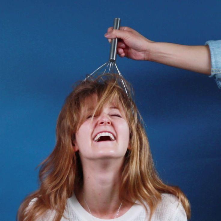 Va faire ca dans des cheveux frizé voir crépus
