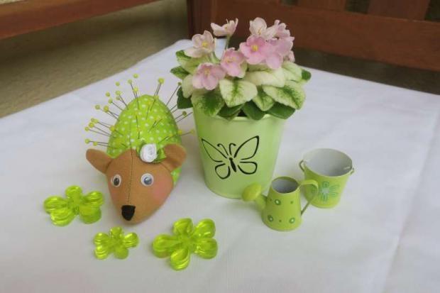 Ušite si ihelníček - ježjka:) Autorka: stankabal | šitie, jež, ježko, ihelník, ihelníček, ručné práce, handmade | Artmama.sk