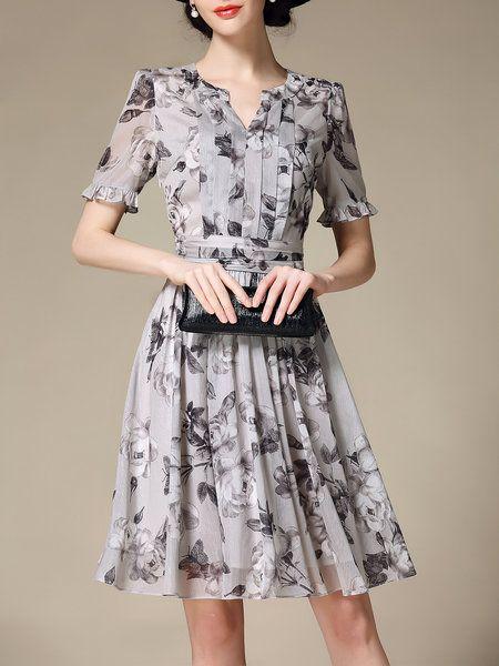 Gasa de la manga corta impresa una línea de vestido de Midi
