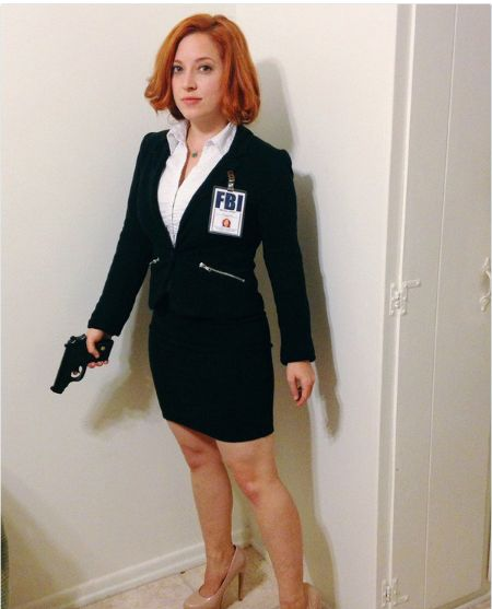 Scully from The X-Files: Pay homage to one of your early '90s feminist heroes—while looking hot AF. (Photo via Twitter: @DaniSnow007)
