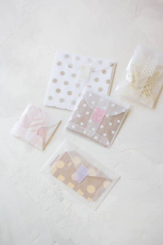 "THIS LISTING INCLUDES:  50 translucent clear glassine envelopes Round flap (no adhesive)  Choose from five sizes: Extra Mini Square: 2"" x 2 (5.1cm x 5.1cm) Mini Square: 2¾"" x 2¾ (7cm x 7cm) Small Square: 3½"" x 3½ (8.9cm x 8.9cm) Mini Note: 2¼"" x 3⅝ (5.7cm x 9.2cm) Mini Open-End:"