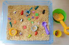 Сенсорные коробки для детей от 6 месяцев до 2 лет своими руками | Жили-Были