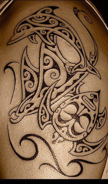 tatouage polynésien dauphin femme