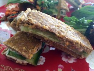 Paleo cucumber sandwiches – grain free savoury 'flat bread' with a creamy dill 'cheez'
