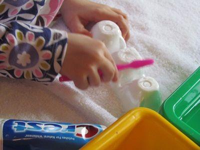 cute idea for promoting dental health in preschool via www.teachpreschool.org