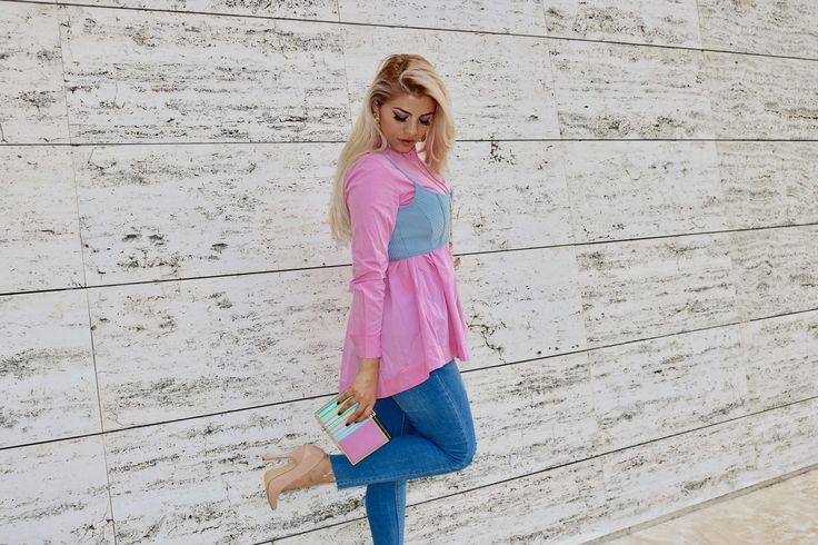 franci love, e utilizado en este aufic, camisa popelin, y top de la tienda STRADIVARIUS, pendientes de la tienda SFERA.
