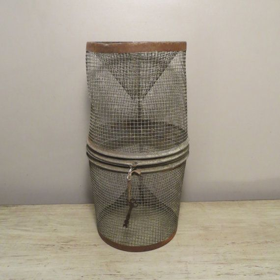 Antique Primitive Wire Mesh Fish Cage Live Bait By OZdOinGItagaiN, $42.00