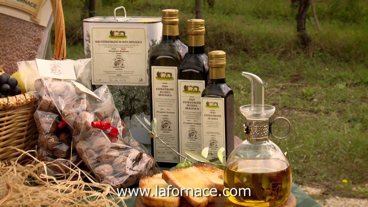 """Merlot Umbria Grechetto Vino Novello Sangiovese Olio d'oliva Farro: Abbiamo selezionato tra quelli in commercio questo eccezionale farro """"biologico"""" proveniente da Ruscio-Monte Leone, notoriamente considerata la """"patria del farro umbro"""".  English:  Merlot Umbria Grechetto Vino Novello Sangiovese Olive Oil Spelt: We have selected, among the many varieties on the market, this exceptional organic spelt from Ruscio-Monte Leone, which is renowned as """"home of the Umbria spelt""""."""