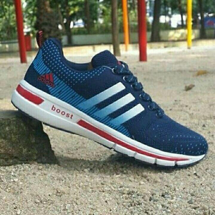 Adidas Boost MAN size 40 - 44 320.000,-