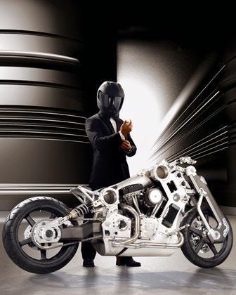 Une moto surprenante, c'est le moins que l'on puisse dire, non détrompez vous, cette moto n'a pas été sculpté dans la masse. La vitesse est sans doute surprenante aussi car, si vo…