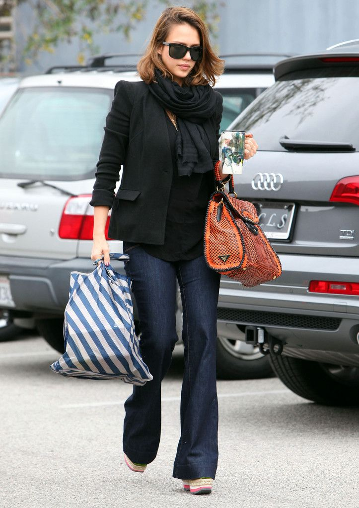 Jessica Alba - Pregnant Jessica Alba Arriving At The Radium/Reel FX Creative Studio
