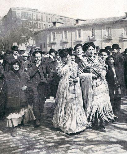 Viernes Santo de 1910. Romería de la Cara de Dios en la calle de la Princesa | Flickr: Intercambio de fotos