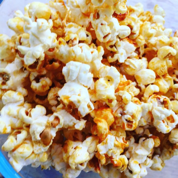 Bring an extra flair to your game/movie nights with this homemade kettlecorn recipe. It's easy to make and much cheaper (and tastier) than store-bought!