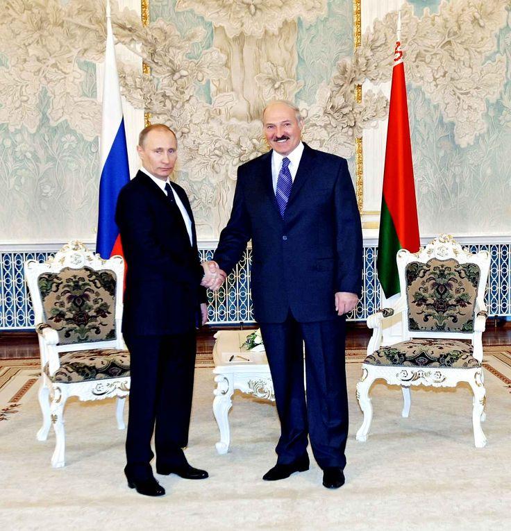 Alexandre Loukachenko est au pouvoir en Biélorussie depuis plus de 19 ans et est fréquemment réélu à sa propre succession (2001, 2006 et 2010). Son pouvoir est appuyé par la Russie, qui le soutient malgré les accusations des pays occidentaux.Ouvertement pro-nucléaire iranien, anti-homosexuels et antisémite, il se défend par le fait que son pays est une démocratie et que donc chacun a le droit à la liberté d'expression.