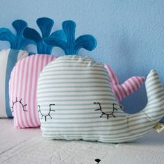 Pupazzo arredo balena