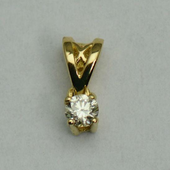 Pandantiv din aur galben cu diamant rotund