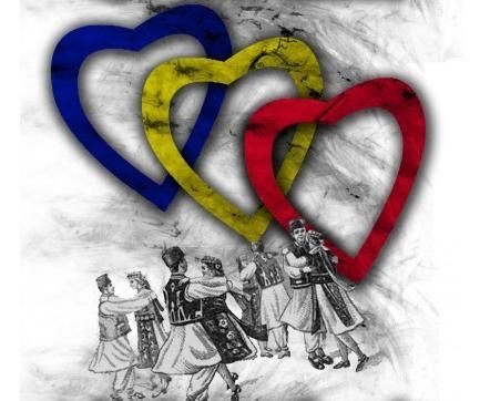 """Tricolorul ca simbol al naţiunii a apărut la începutul secolului al XIX-lea. Astfel, cele trei culori au fost prezente pe drapelul răscoalei lui Tudor Vladimirescu, în cadrul căreia li se atribuie pentru prima oară semnificatia:  """"-LIBERTATE (albastrul cerului),   -DREPTATE (galbenul ogoarelor),   -FRĂŢIE (rosul sangelui)""""."""