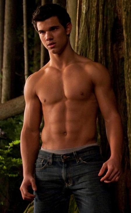 Now see here's the thing. I hate twilight with a passion and r putz is a big girls blouse but I find this pic of Taylor Lautner verrry awesome!