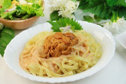 Η μακαρονάδα με σάλτσα αχινού θα σε ξετρελάνει με την γεύση της - http://ipop.gr/sintages/zimarika/i-makaronada-me-saltsa-achinou-tha-se-xetrelani-me-tin-gefsi-tis/