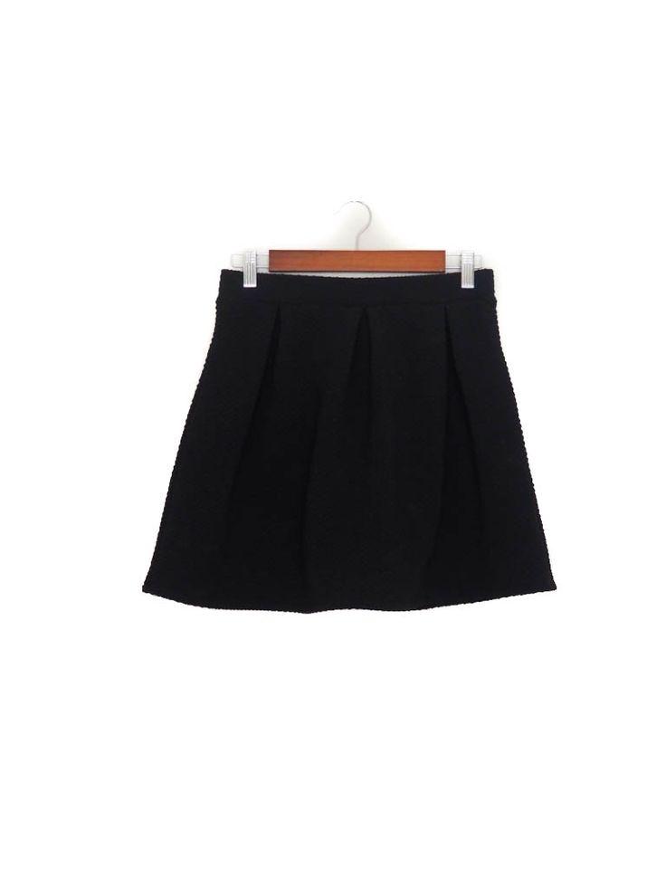 Falda mini, negra, textura, skater, Otoño Invierno, Stradivarius Mini skirt, black, dots, Autumn Winter
