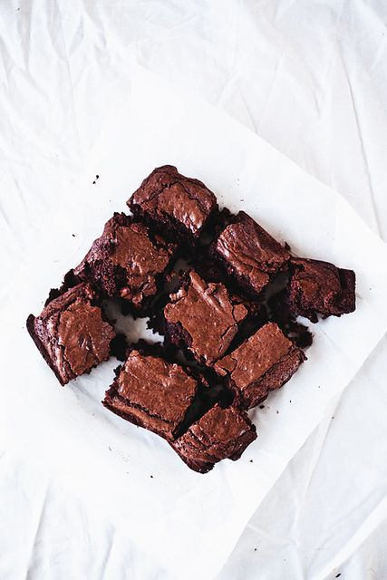 'The world's best brownies. Promise'....lets see!