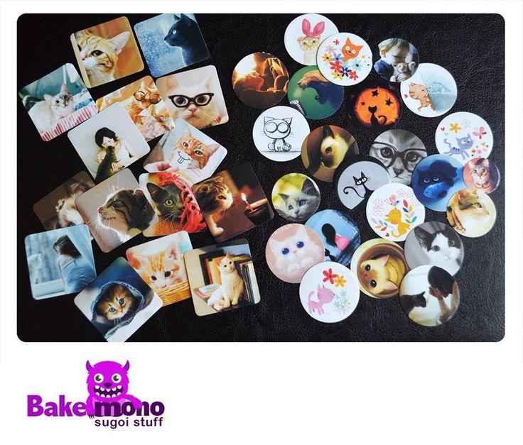 Stickers de gaaatos Set de 38 stickers (cuadrados miden 4 cm. y los circulares 3 cm.)  Valor $1500.- entrega inmediata Envios a todo chile por pagar