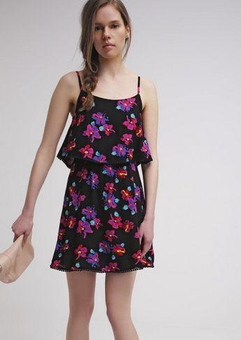 luźna sukienka zwiewna czarna w różowe kwiaty na lato
