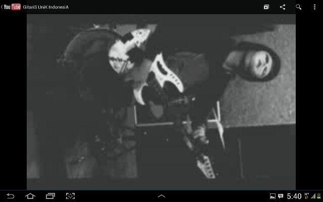 GitariS UniK IndonesiA