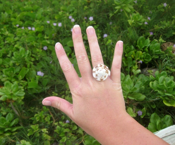 Handcarved Hawaiian Purple Brown and White Cone Snail Shell Ring - size 7.5.  Handmade with Aloha! $26.00