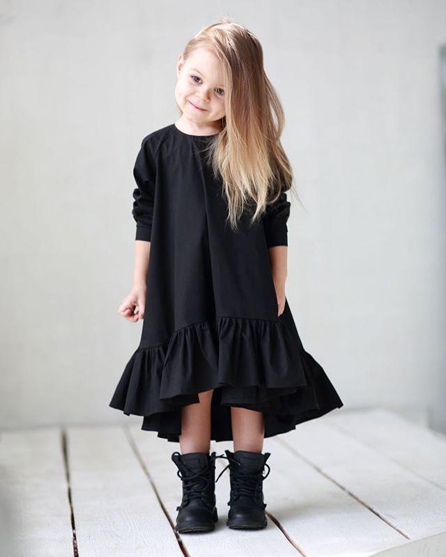 ❗️-30%❗️Черное платье-волан.Состав: 100% хлопок .Старая цена :5000.Новая: 3500.Размер в наличии : 92. Оформление заказа в what's app :  +79126365902 #miko_kids #conceptkidswear #sale #❤️ #blackdress #loveblack