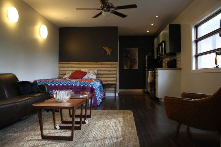 headboard - Get $25 credit with Airbnb if you sign up with this link http://www.airbnb.com/c/groberts22