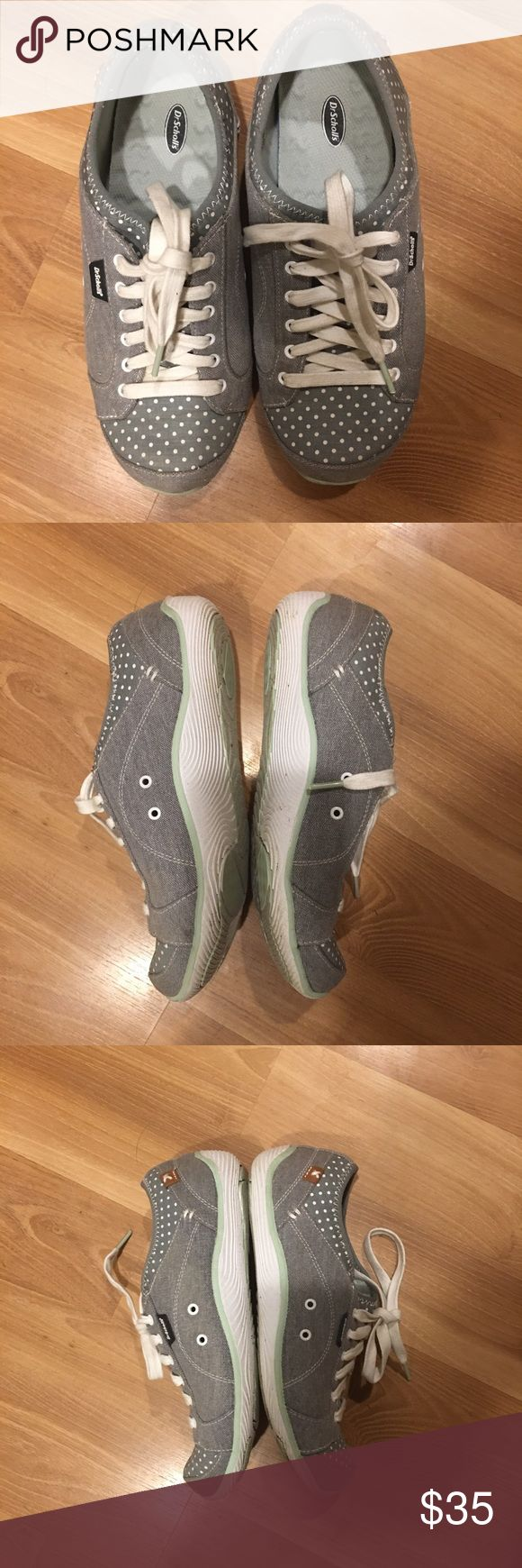 Dr.Scholls sneakers size 8 wide .Good Very comfortable sneakers from dr.scholl's size 8 , canvas light green. Very good used condition. Dr. Scholl's Shoes Sneakers